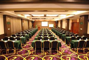 東莞常平隱賢山莊拓展訓練基地-麗城假日酒店會議室