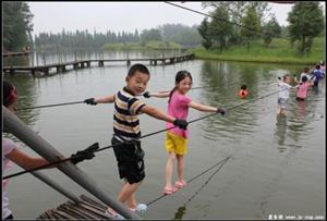 水上鋼絲繩_鍛練隊員的平衡能力;