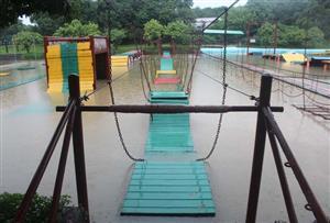 水上浮桥拓展项目
